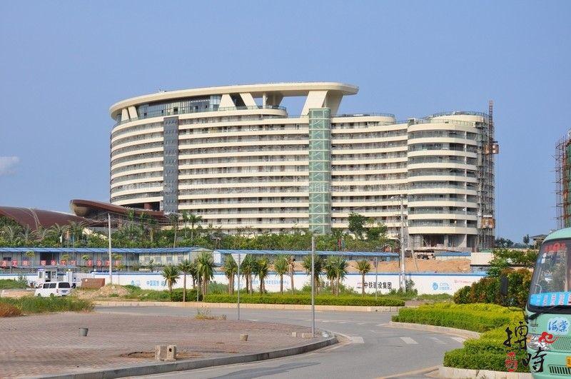 小区周边配套:海棠湾洲际度假酒店